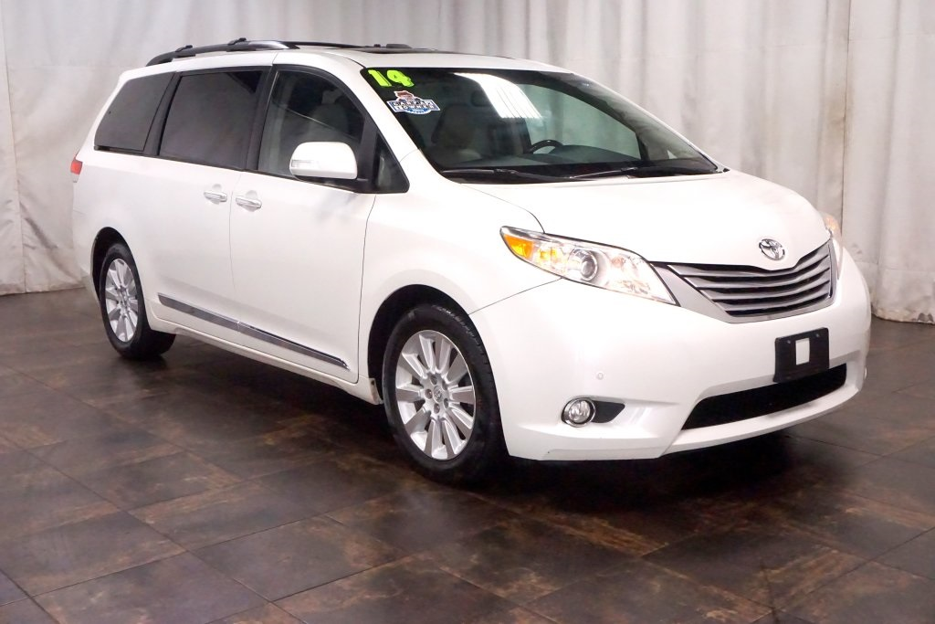 Pre-Owned 2014 Toyota Sienna Limited