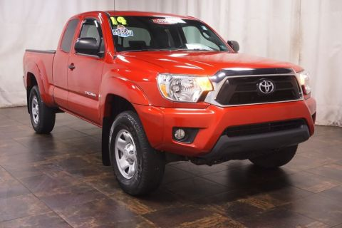 Certified Pre-Owned 2014 Toyota Tacoma STD